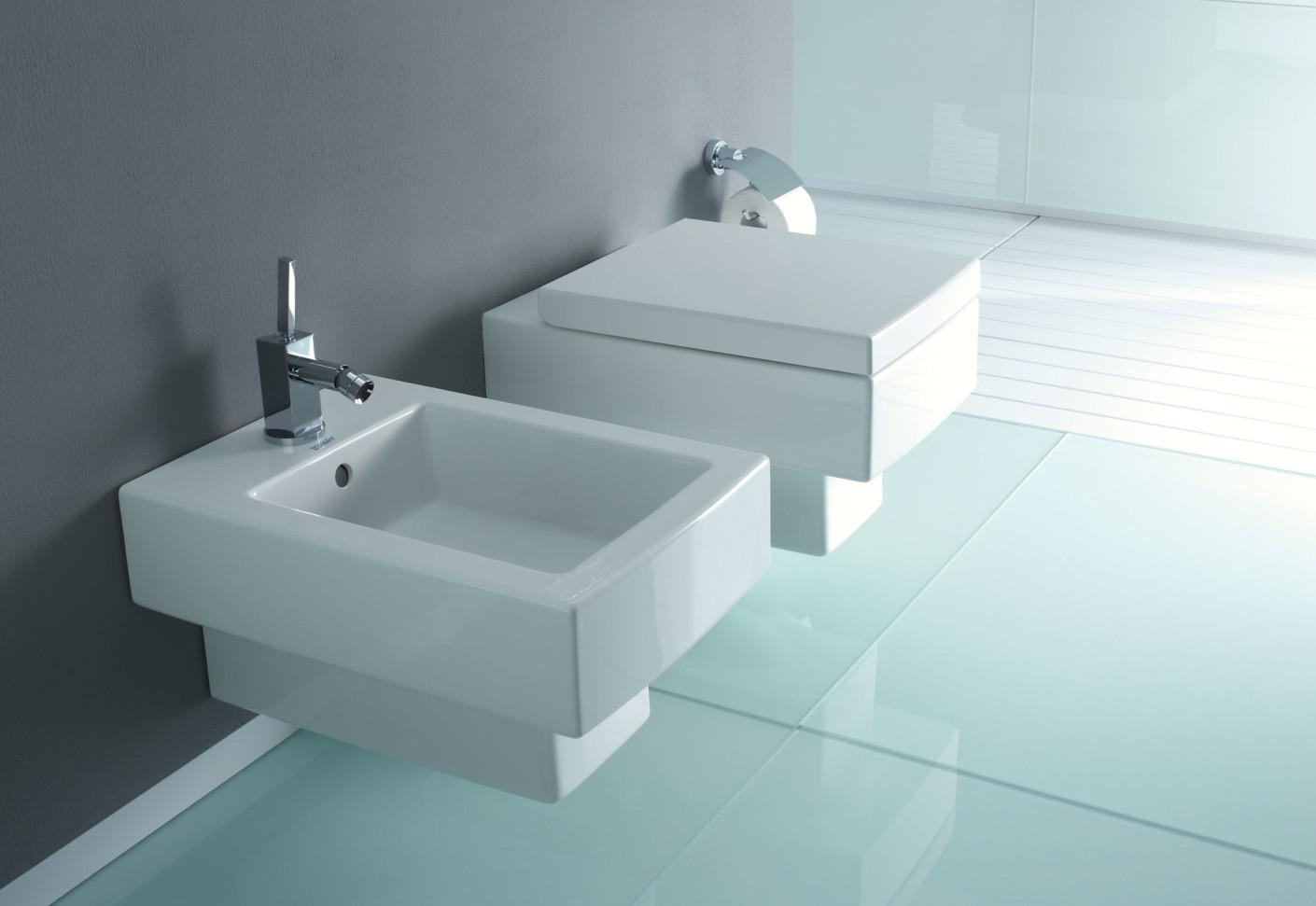 Durovit. Cozy White Duravit Toilet With Bathroom Tissue And Graff ...